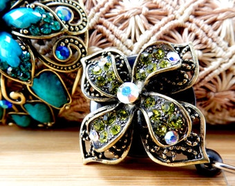 Jeweled Flower Badge Clip - Retractable Badge Holder - Nurse Badge Holder  - ID Badge Holder - Nurse Badge Reel - Retractable Badge Reel