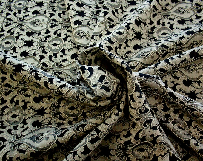 990071-201 Brocade-95% PL, 5 PA, 130 cm wide, manufactured in Italy, dry cleaning, weight 205 gr, price 1 meter: 52.94 Euros