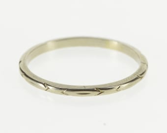 18K Pointed Oval Patterned Wedding Band Ring Size 8 White Gold