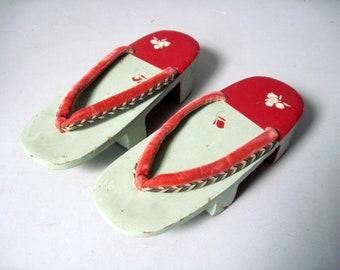 Vintage 1950s wooden Geisha shoes Japanese Geta clogs