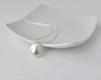 Fine Silver Shell Necklace, Seashell Pendant Necklace, Simple Silver Necklace, Silver Jewlery, Artisan Jewelry, Silver and Pearl Necklace