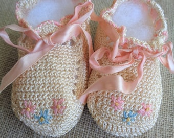 Vintage Crochet Booties Cream and Pink Baby Girl Shoes With Ribbon Ties 1950s