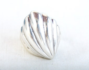 Modern Dome Ring Size 8 Mexican Statement Jewelry Vintage Modernist Shell Heavy Sterling Silver Hecho en Mexico
