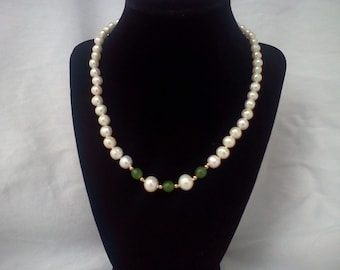 emerald and pearl necklace handmade