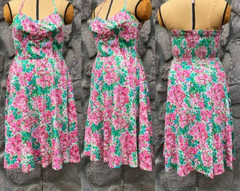 Vintage 70s Pink & Green Floral Print Sundress / Sweetheart Neckline / Halter Top Ties / Pockets / Women's Size Medium to Large