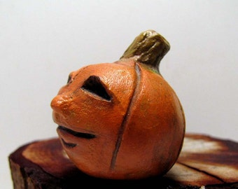 Mini Halloween Pumpkin - Jack O' Lantern - Paperclay