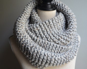 Chunky Knit Infinity Scarf in Grey Marble, Oversized Infinity Scarf, Chunky Knit Cowl, Gray Knit Scarf