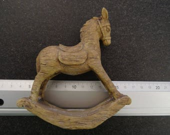 Adorable rocking horse for your Christmas decorations - 10 * 12 cm