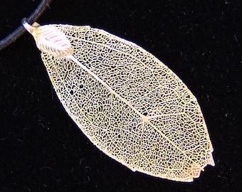 14k Gold Pendant - Beautiful, Genuine Leaf Vein In 14k Gold by JewelryArtistry - P637