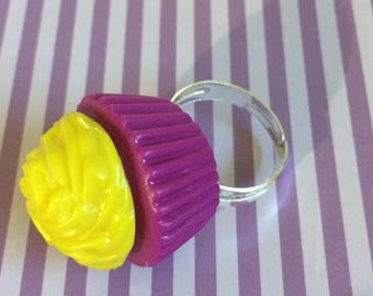 Purple and yellow cupcake ring