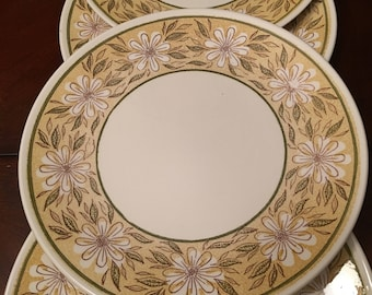 Yellow Daisy2 by Taylor Ironstone  Set of 4 Dinner Plates Similar to Daisy Mae by Taylor Made in USA
