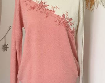 Gorgeous Vintage Embroidered Front Jumper