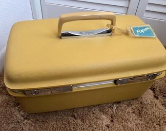 Vintage Samsonite Train Case, Harvest Gold Samsonite Vanity Makeup Case, w/Mirror, No Key or Tray, JCPenney Aspen by Samsonite