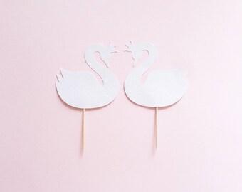 2 Swans, in White Glitter