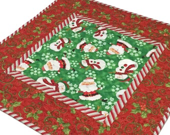 Quilted Christmas Table Topper, Christmas Decor, Christmas Centerpiece, Christmas Table Quilt,  Christmas Runner, Holiday Decor, Red Green