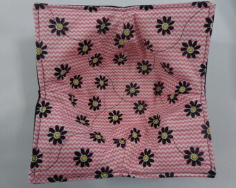 Black Daisies on Coral - Microwave Bowl Cozy