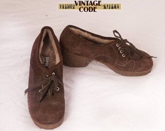 Dark Brown Suede Leather Lace up shoes / Warm Chunky Platform Wedges Rubber sole by Bama Lams / size EU 37 , UK 4.5, size US 6.5