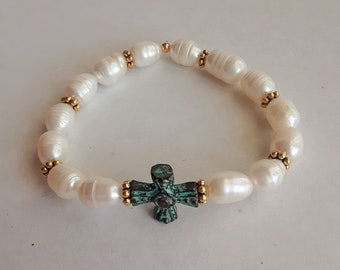 Bianca - Fresh Water Pearls Bracelet with Patina Cross