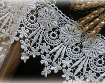 """Lace Fabric Trim, Ivory Lace Fabric, Guipure Lace, Venice Lace, Bridal Lace, Costume Design, Lace Applique, Crafting, approx. 5"""" NW-002"""
