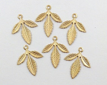 Brass Leaf, Raw Brass Leaves, Leaf Stamping, Brass Drop, 30mm x 25mm - 12 pcs. (r333)
