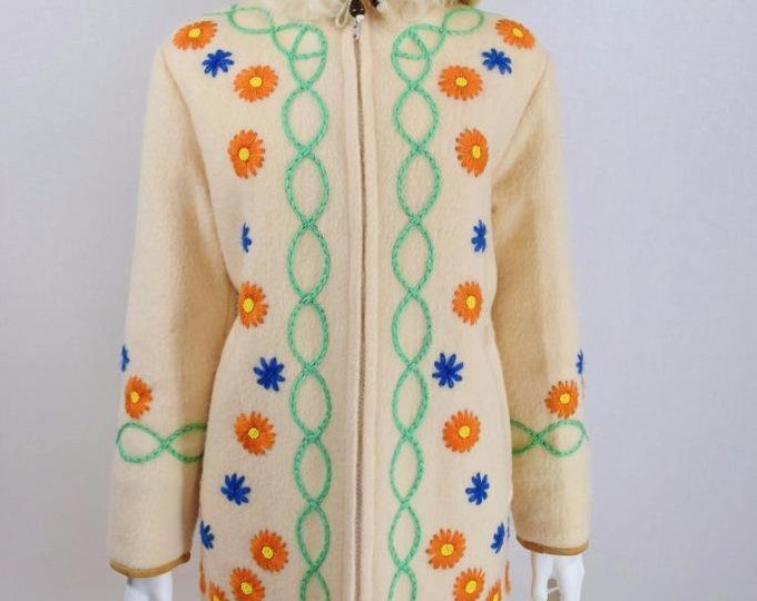 Rare Vintage 1970's Hudson Bay EmBrOiDeReD Beaded Shearling Hood Fur Trim Wool Blanket HBC HiPPiE BoHo Inuit Parka Coat L XL