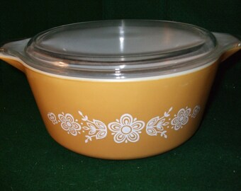 "Vintage Pyrex Covered Casserole #475-B  ""Butterfly Gold 1"""