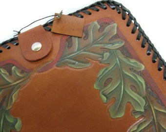 Leather ipad or tablet case