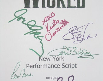 Wicked Signed Broadway Musical Script X7 Autograph Kristin Chenoweth Idina Menzel Stephanie J. Block Robert Morse Joel Grey Carole Shelly