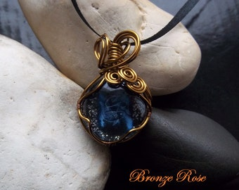 Handmade wire wrapped Pisces star sign glass nugget necklace