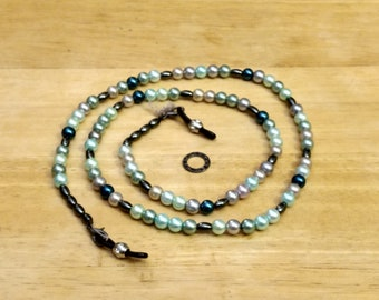 "EY1398 Spectacle Necklace/Lanyard 27 1/2"", Blue/Gray mix Glass Pearls, hematite spacers"