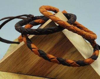 Bracelet of leather. Bracelet braided. Stranded 4. Leather Brown.