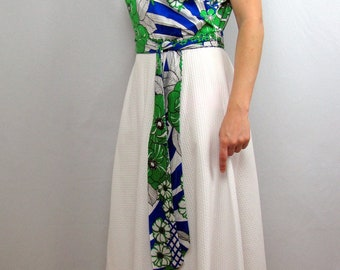 1970s Vintage Maxi Dress / Alice of California / White, Blue and Green / Tropical Print Dress / Medium / Large / Summer Dress