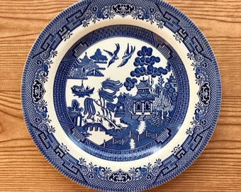 "Vintage Churchill England China - 'Blue Willow' - blue and white 10"" plate"