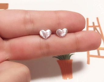 Heart Earrings/ 925 Sterling Silver pin cartilage stud/stud earring/