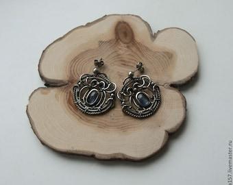 Earrings with kyanite