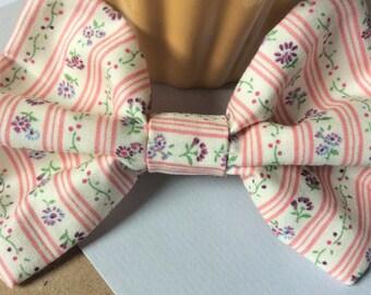 """Rustic """"mori"""" hair bow, pinstripe floral pattern fabric bow hair clip, pink flower cute hair bow ~ clip in rustic hair accessories"""