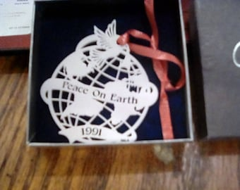 1991 Corning Opelle ornament - peace on earth - dove  - in box - Christmas - Xmas - corning glass - vintage