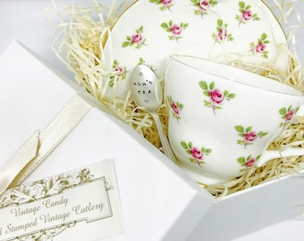 Personalised Teaspoon and Vintage Tea Cup Gift, Mothers Day Gift Set, Customised Silver Plated Teaspoon with Bone China Tea Cup and Saucer