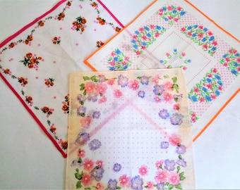 Vintage handkerchiefs, Set of 3, Cotton Floral Hankies, Womens Hanky, Ladys Handkerchiefs, Wedding Hankies, Unused, 70s
