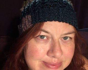 Slouchy hat, in blues, grey, salmon