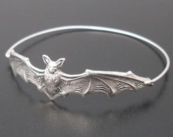 Halloween Bracelet, Bat Jewelry, Silver Bat Bangle, 2018 Halloween Jewelry, Bat Bracelet, Animal Bracelet, Animal Jewelry, Halloween Bangle