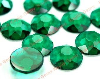 Beautiful Glass Jewel 15mm Round Snowflake Cut -Green emeral  - 2pcs