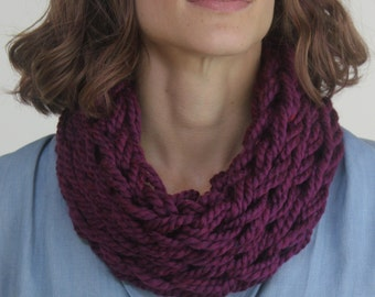 Short Cowl Scarf / Clematis / Arm Knitted