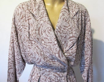 DRESS Genuine 1980s VINTAGE Long batwing Dolman Long Sleeve Sz 12 Slouch Oversize Wrap retro Taupe and Wgite