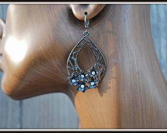 Black Flower Earrings, Black Earrings, Rhinestone Flower Earrings, Black Dangle Earrings, Clear Rhinestone Earrings, Filigree Flower Drops