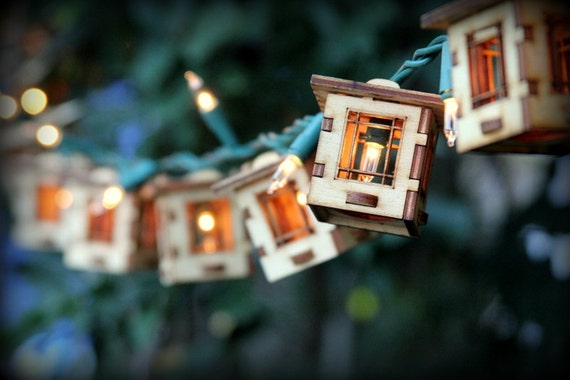 Elegant Patio String Lights. Electrolites Craftsman Style Bungalows.