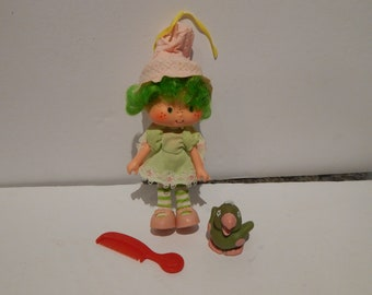 Vintage Strawberry Shortcake Lime Chiffon Doll With Her Pet Parfait Parrot Kenner 1980