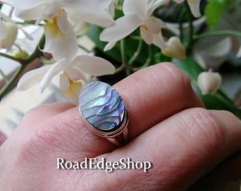 Paua Shell ring Sz 9, 925 Sterling silver ring, Simple classy ring, Paua Ring, Simple ring, Oval ring, Gift for her