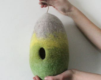 Easter Egg Soft Green Toy Decor/ Felt Hollow Egg/ Pregnancy Announcement Egg/ Baby Shower/ Invitation/ Easter spring Unique/Grandparent Gift