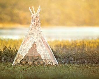 Pink Vintage Teepee (Background)